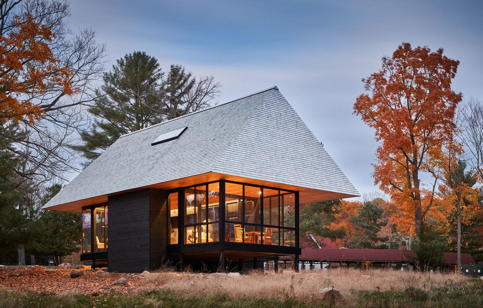 Bigwin Island Club Cabin muskoka cottage design