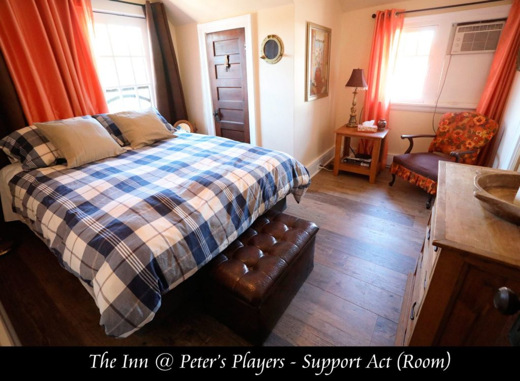 A bedroom at the inn at Peters Players