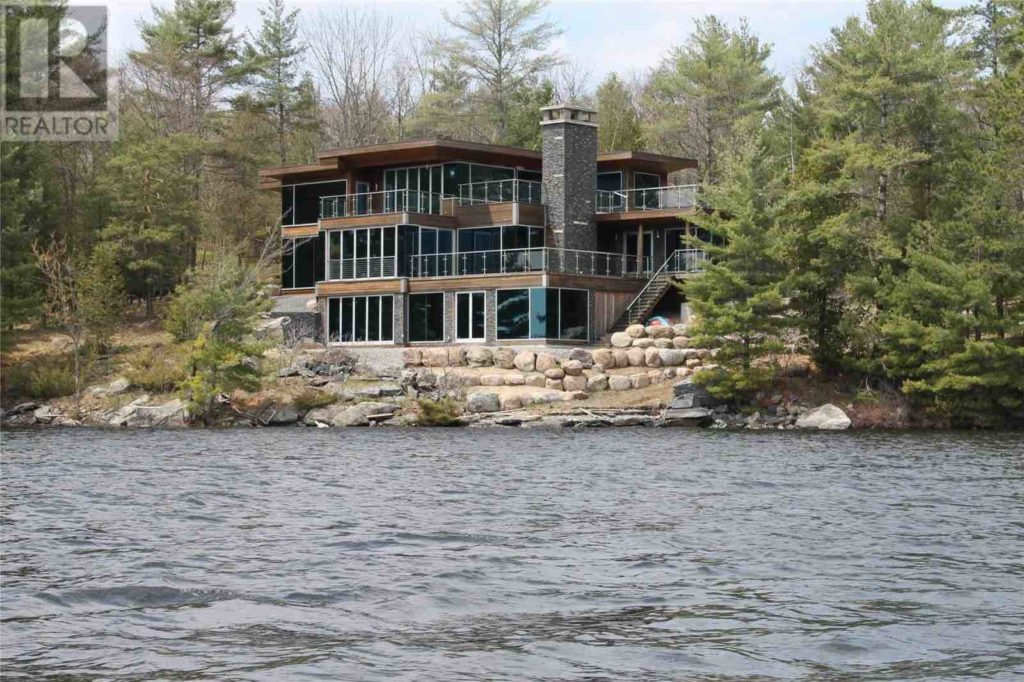 Island Life — Luxury Living on Lake Muskoka