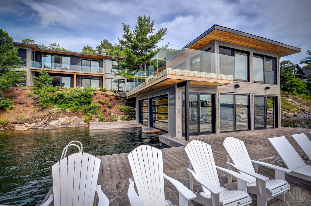 04-Driftwood on Lake Joseph luxury Muskoka Cottage rentals