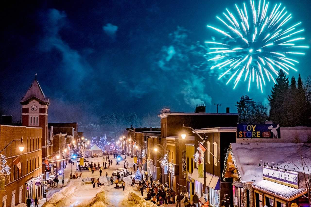 Fire and Ice Festival - living in Bracebridge Ontario includes winter events put on by Downtown Bracebridge