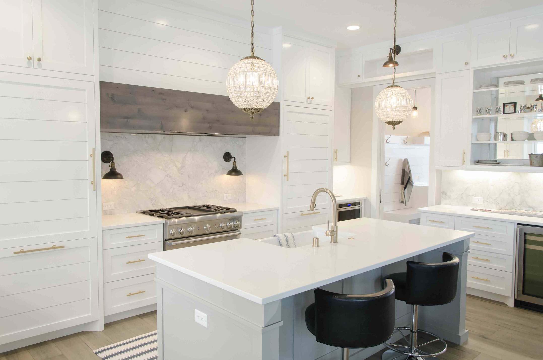 aaron-huber- kitchen luxury living in Braceebridge Ontario-unsplash