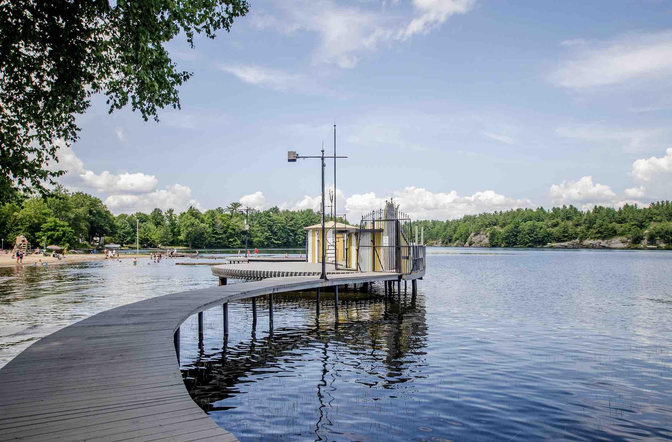 Gravehurst Music on the Barge - Shutterstock - Kriti C living in Gravenhurst Ontario